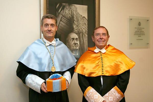 El Excmo. Sr. Dr. Lorenzo Gascón y el Excmo. Sr. Dr. José Daniel Barquero en la sede en Barcelona de la Reial Acadèmia de Doctors