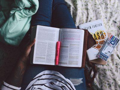 Técnicas de relajación para mejorar la atención y la concentración en los estudios