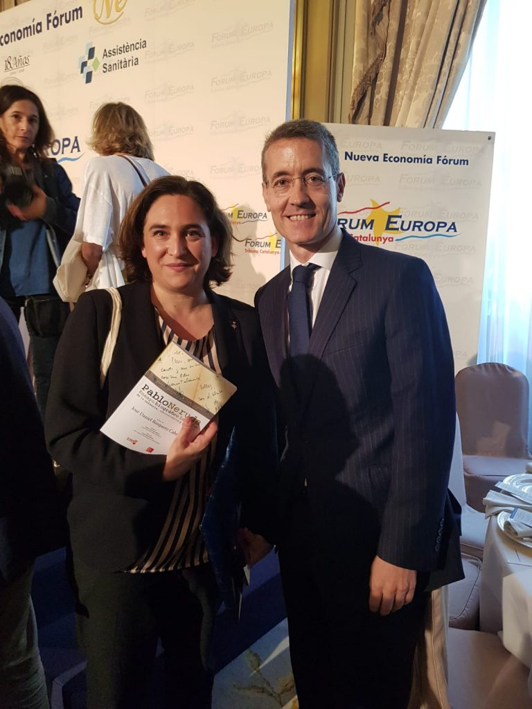 Dr Barquero y Ada Colau