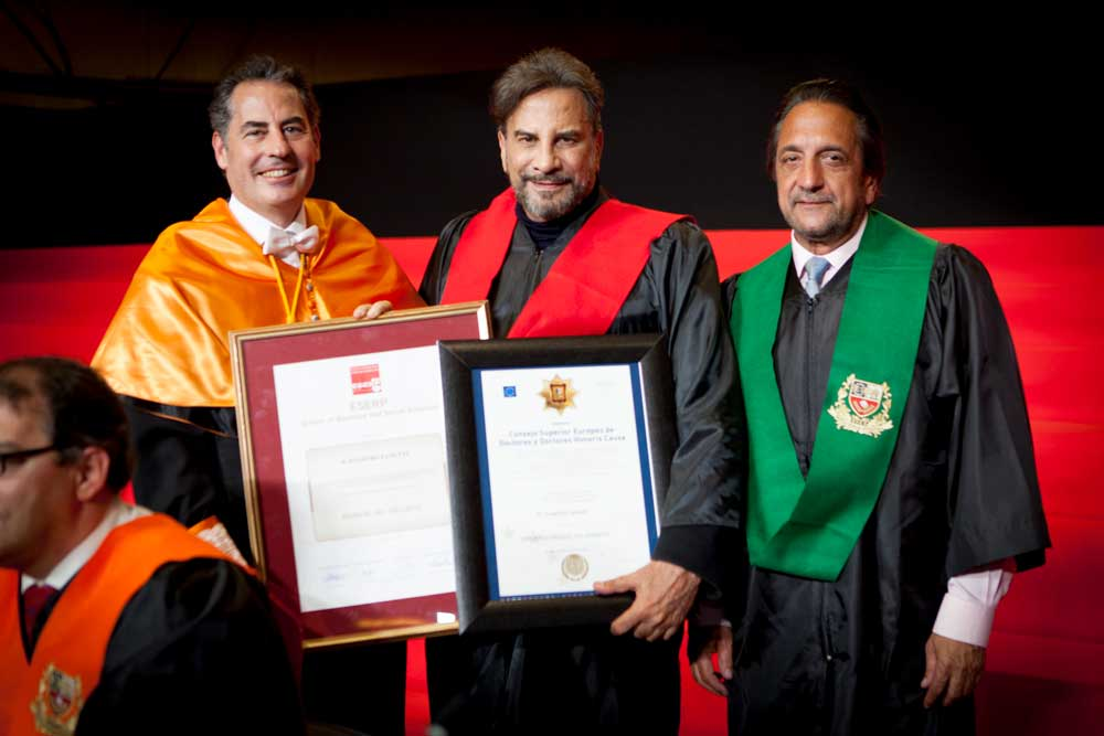Eugenio Zanetti recibe el Honorary Degree de ESERP