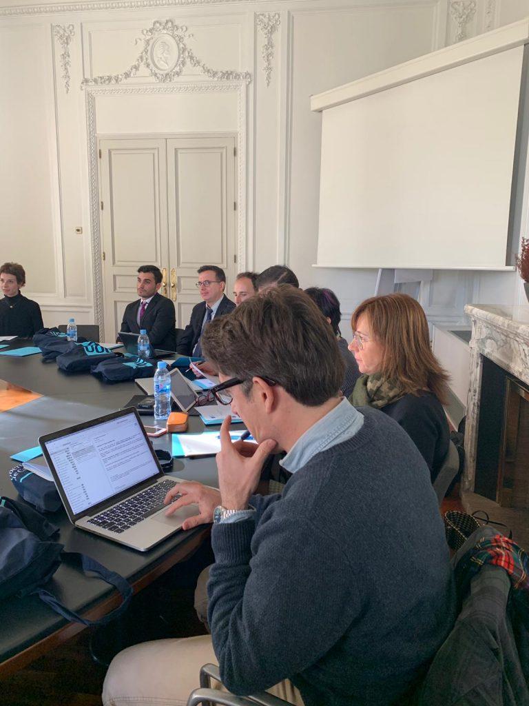 Reunión en la Universidad Oberta de Catalunya con varios integrantes pertenecientes al profesorado de ESERP