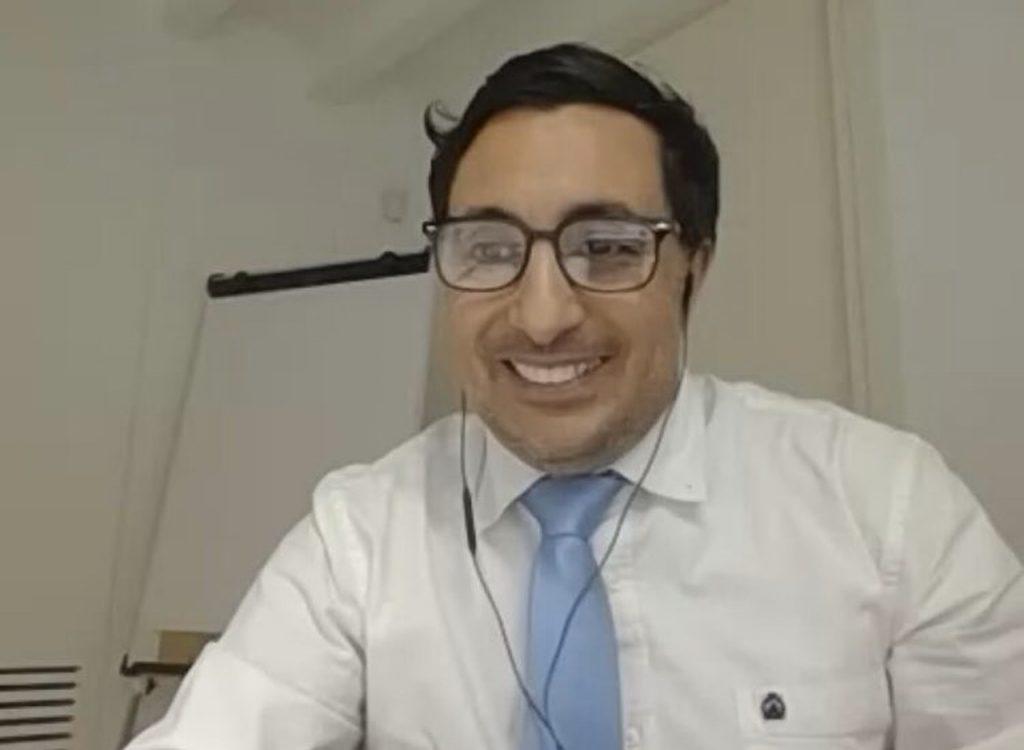 Abderrahim Ouadrassi en la Talk Online La oportunidad de internacionalización y su actualidad económica